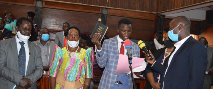 Mr. Ssejjemba Martine taking Oath as Mpigi District Chairperson.